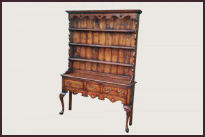 Dresser rack with pierced fretwork