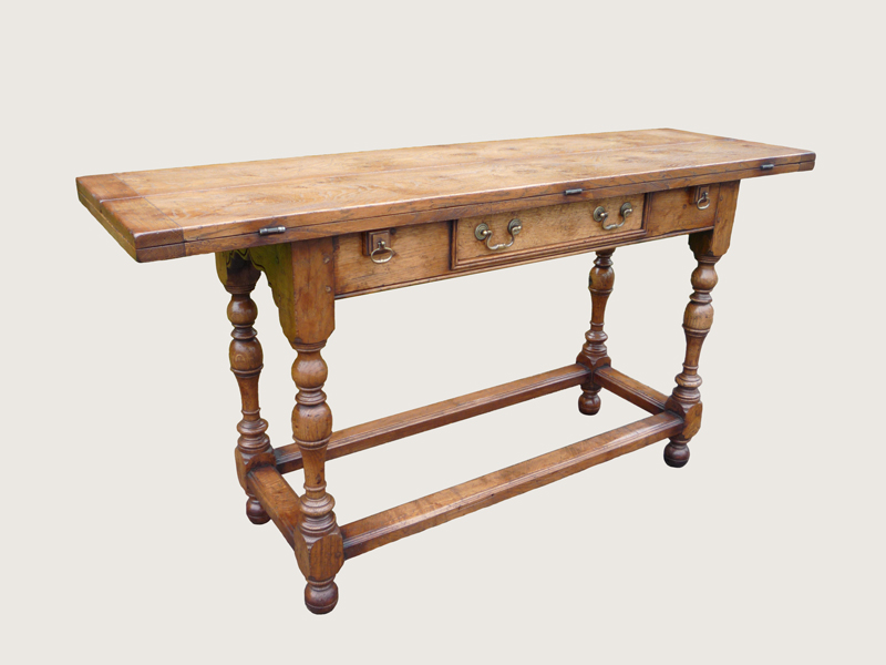 Oak Folding Hunt Table (D212)